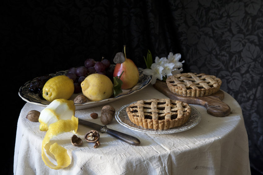 regula-ysewijn-photography-still-life-prune-tart-missfoodwise-1-closer