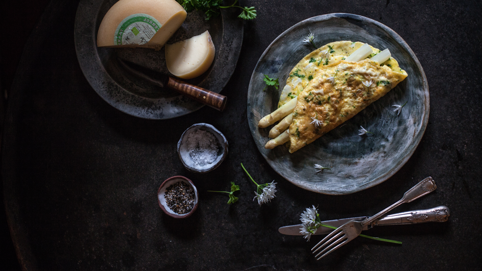 regula-ysewijn-still-life-photo-cheese-omelette